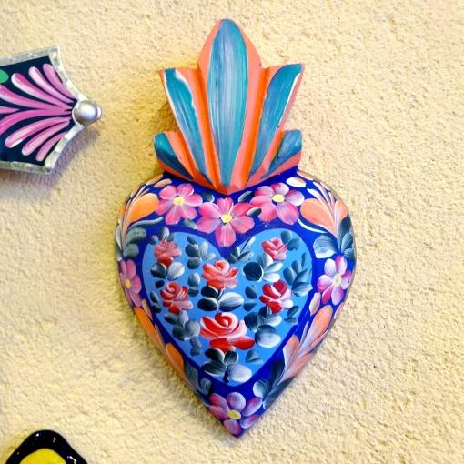 メキシコのフラワーペイントのハートの壁飾り
