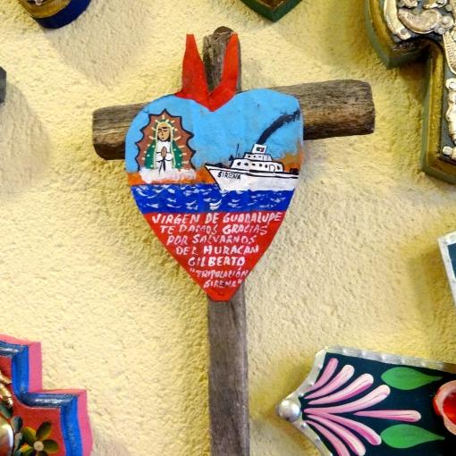メキシコのエクスボトの十字架
