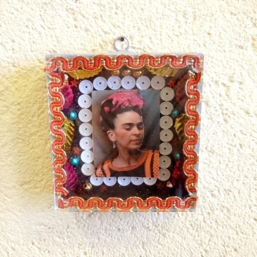 メキシコの有名画家フリーダ・カーロのガラスボックス