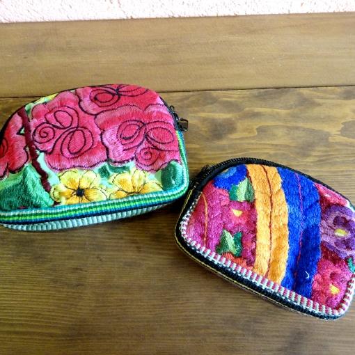 グアテマラの刺繍ポーチ