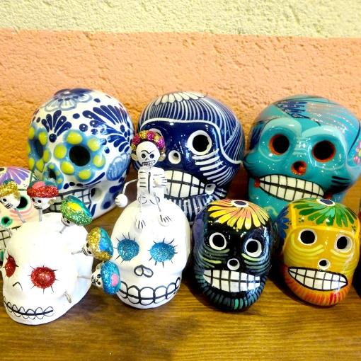 メキシコのガイコツの置物