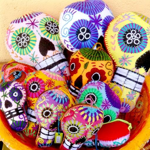 メキシコの刺繍ガイコツチャーム