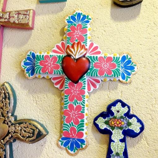 メキシコのフラワーペイントのブリキ十字架