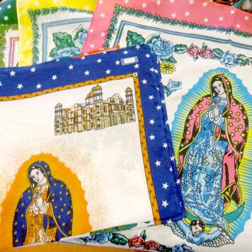 メキシコのグアダルーペの聖母マリア様のバンダナ