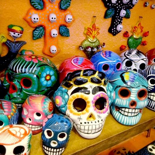 メキシコのガイコツ死者の日グッズ