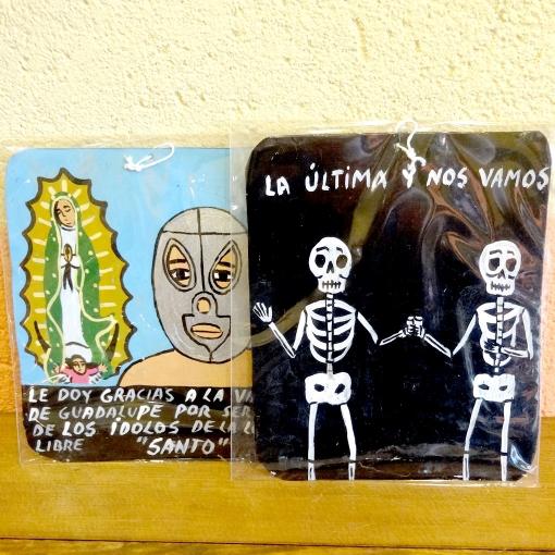 メキシコのガイコツとマリア、ルチャリブレのブリキプレート