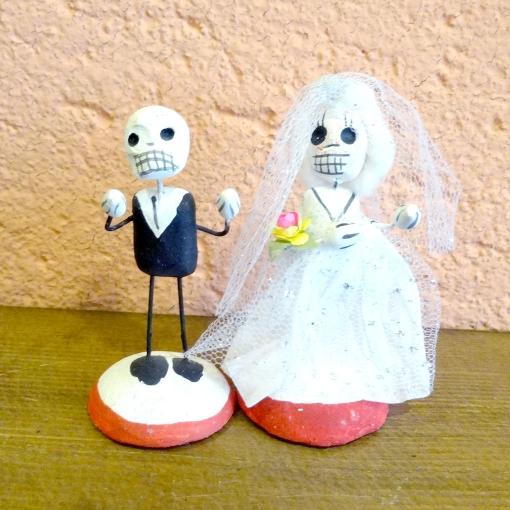 メキシコのガイコツ人形