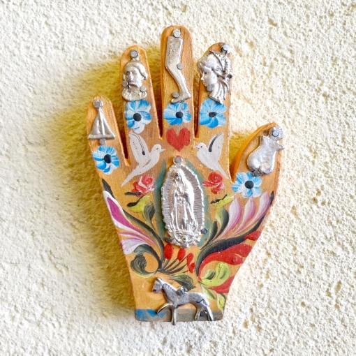 メキシコのミラグロが付いた手の壁飾り