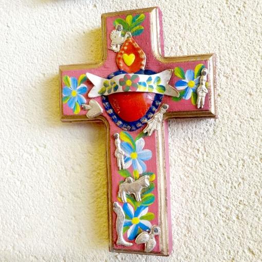メキシコのミラグロとフラワーペイントの十字架
