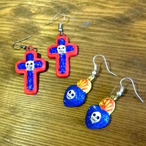 メキシコの十字架とハートのガイコツピアス