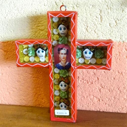 メキシコ有名画家「フリーダ・カーロ」のガイコツ十字架ボックス