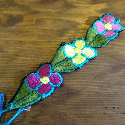 メキシコの刺繍のブレス