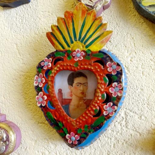 メキシコのフリーダのブリキボックス「ニチョ」