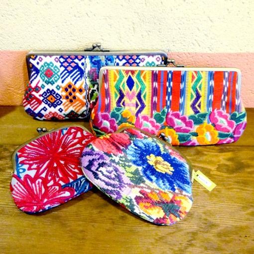グアテマラの刺繍財布クラッチ