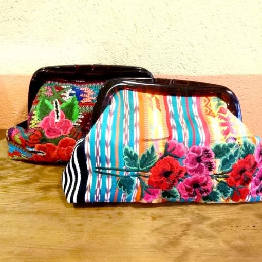 グアテマラの刺繍クラッチバッグ