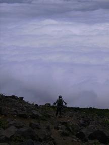 再び雲海の中へ・・・