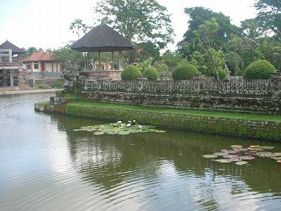 タマンアユン寺院の周り。