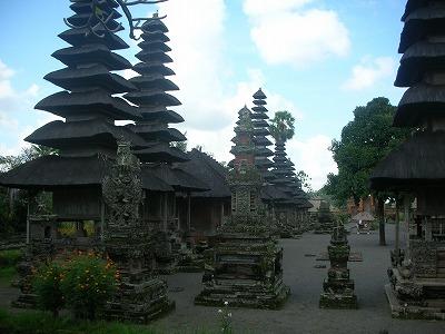 タマンアユン寺院の中は。