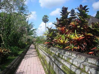 タマンアユン寺院の見学は。