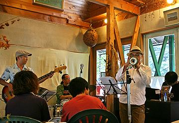 ジャズの演奏1(キッチン四季にて)