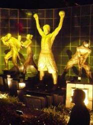 パッキャオの銅像