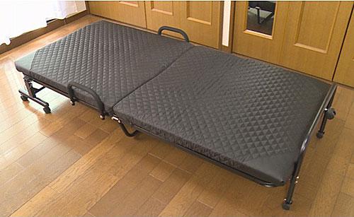 色ブラック:年中使える折りたたみベッド