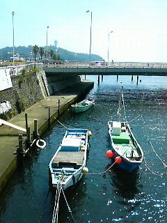 片瀬江ノ島駅まえの橋の上からの景色