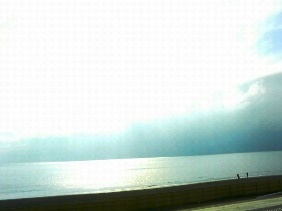 イル キャンティ ビーチェの前の海