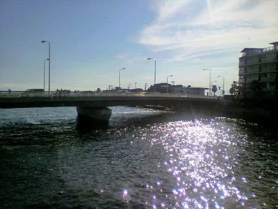 江ノ島駅前の橋から