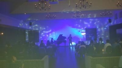 藍の日パーティ jazzライブの様子