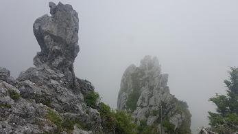 大剣神社の岩