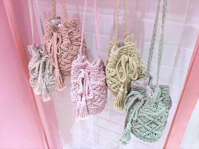 カラーマクラメ巾着 (2).JPG