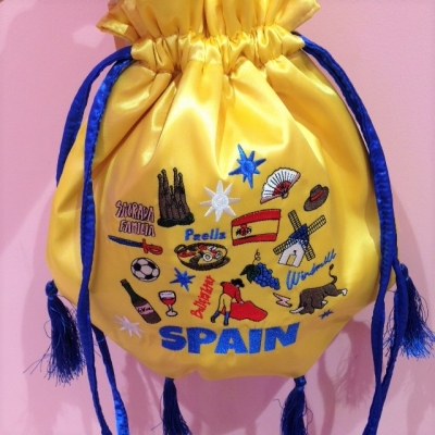 世界の祭り刺繍巾着 (4).JPG
