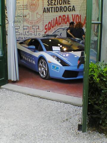 フェラーリのパトカー