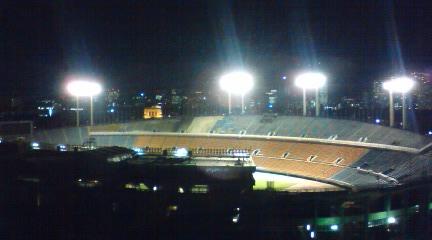 窓から見える国立競技場です