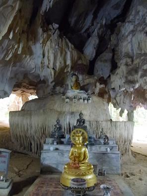 タイ クラビのタイガーテンプル周辺