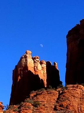 月とカセドラルロック セドナ