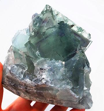 巨大グリーンフローライト原石 ミーアクリスタル