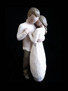 ウィローツリー 1つの柳の木から彫られた愛