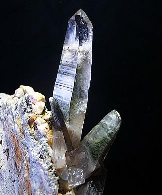 ガネーシュヒマール産 ヒマラヤ水晶のダウ ミーアクリスタル
