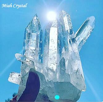 女神イシスの水晶クラスター コロンビア水晶 ミーアクリスタル