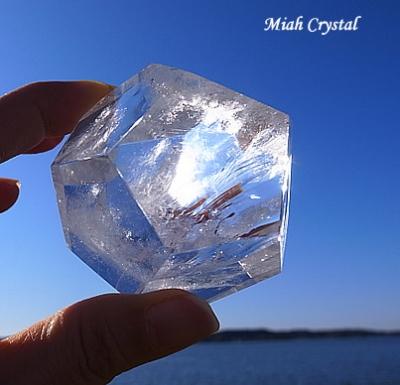 正十二面体水晶 ミーアクリスタル