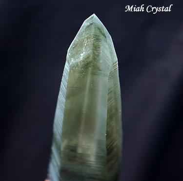 ガネーシュヒマール産 緑泥ファントム水晶 ミーアクリスタル
