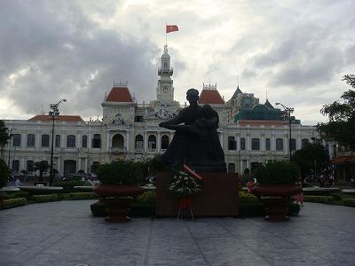 ホー・チ・ミン像