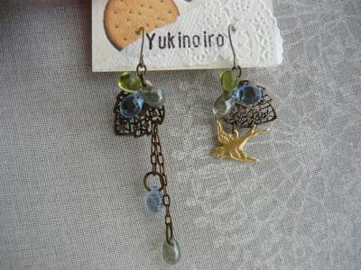 木の実と小鳥のピアス