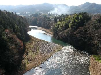 多摩川(神代橋より川下)