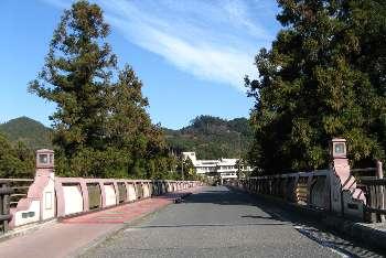 奥多摩橋の上