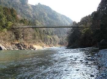 上流からの梅沢橋