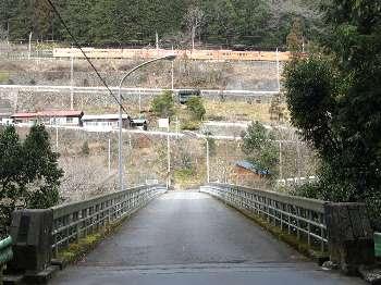 寸庭橋の上