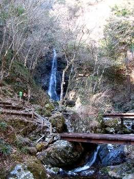 払沢の滝 2